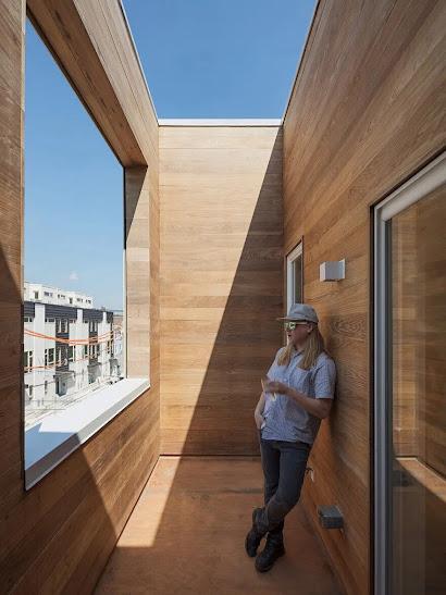 không gian thư giản và ngắm cảnh trên sân thượng