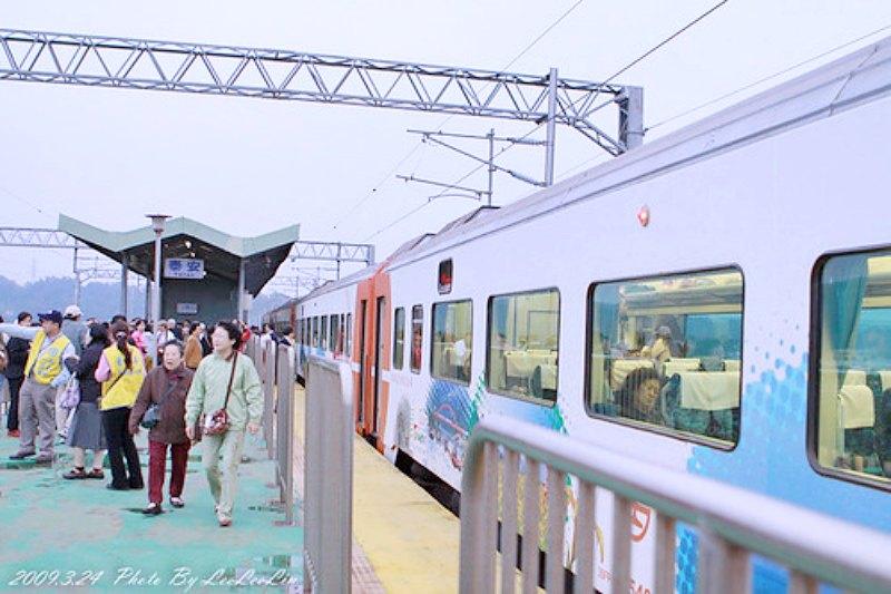 郵輪式列車台中后里景點|新山線泰安車站~不搞軌