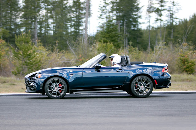 Fiat 124 Spider on race track