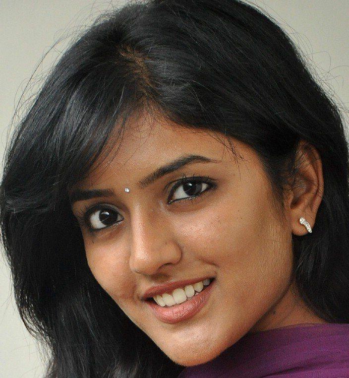 Beautiful Hyderabadi Girl Eesha Rebba Without Makeup Face Close Up