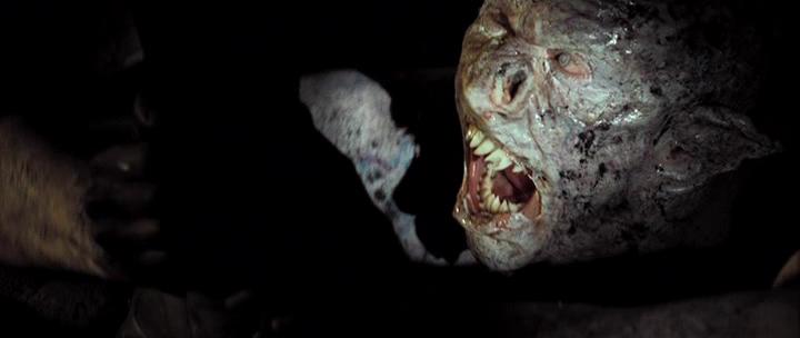 Un monstruo para la Marca del Este, humanoide, albino, de afilados dientes.