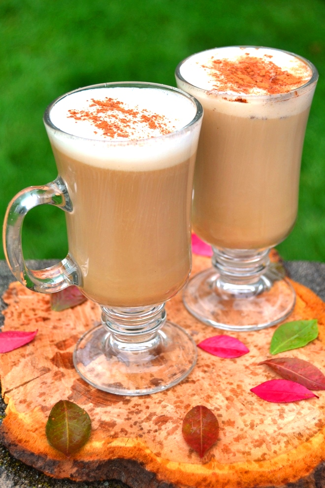 Easy Maple Latte takes 5 minutes or less to make and features strong coffee, buttercream half and half, maple syrup and cinnamon for a delicious, warming beverage! www.nutritionistreviews.com