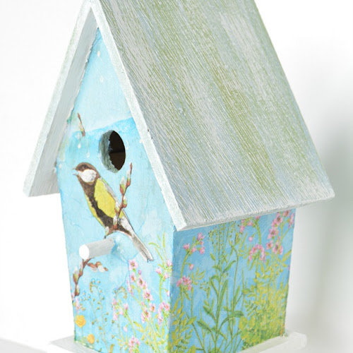 Decoupage Dollar Store Birdhouse With Napkins