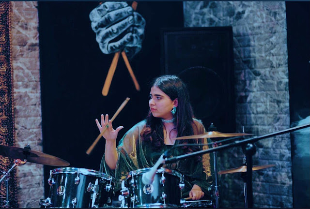 Alishba Kazi is a young Pakistani drummer who has appeared in Nescafe Basement. Read Alishba Kazi's interview with Musicians of Pakistan.