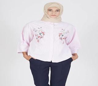 model atasan wanita motif bunga