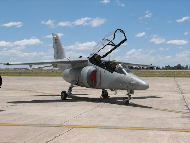 IA-63 Pampa en tierra