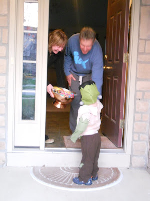 my stay-at-home momma drama: Trick - or - Treat 2011