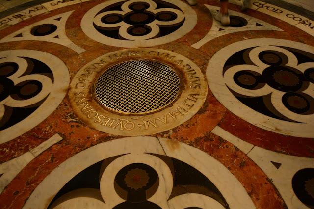 cathédrale de Florence sol en marbre