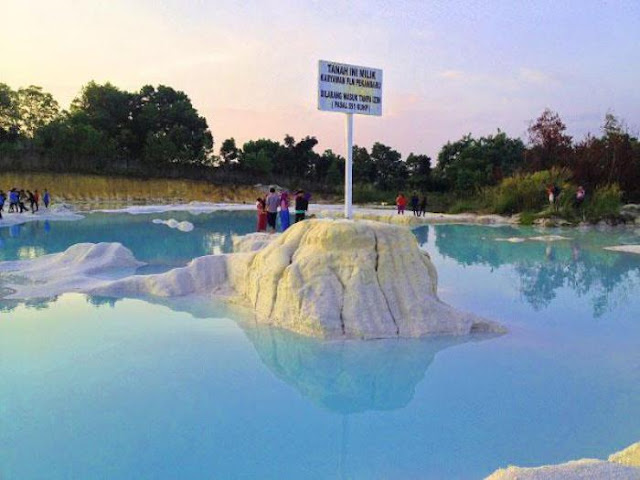 Waw, Kawah Biru Jadi Destinasi Wisata Pekanbaru Lho!
