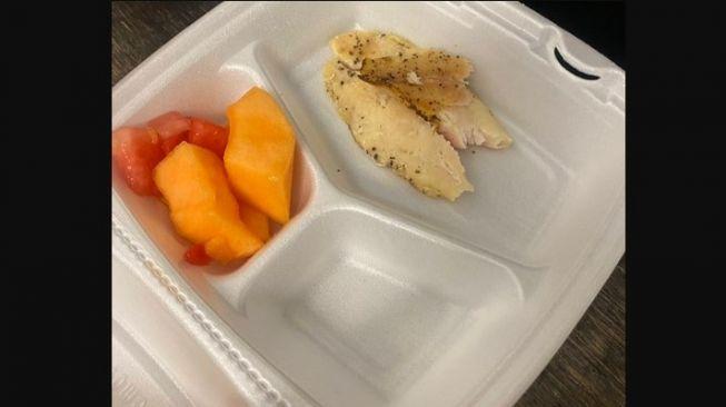 Bukannya Bersyukur, Pengungsi Afghanistan di AS Ini Malah Mengeluh Soal Menu Bantuan Makanan