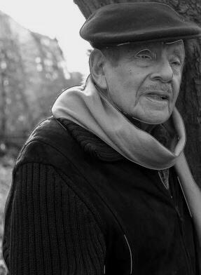 وفات الفنان الكبير جيري ستيلر عن عمر يناهز 92 عامًا واليكم بعض المقتطفات عن قصة حياته واعماله | The great artist Jerry Stiller passed away at the age of 92, and here are some quotes about his life story and his works |