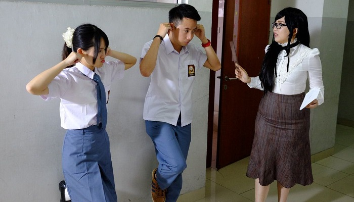 10 Meme Dihukum Guru Bikin Ingat Kenakalan lo