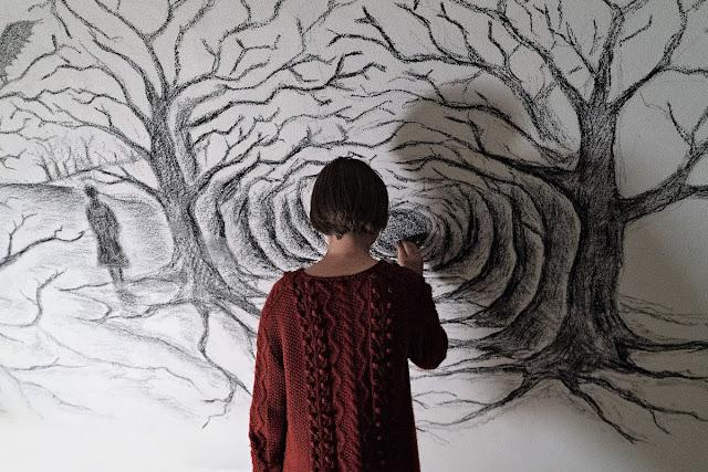 der cineast Filmblog Luna malt an ihre Zimmerwand