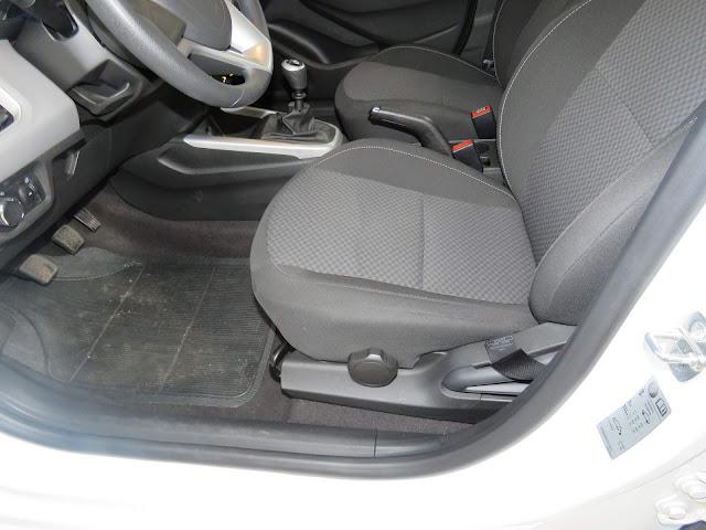 Chevrolet Onix LT 2018 - espaço dianteiro