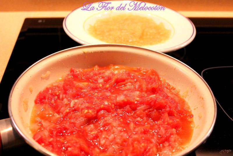 Salsa de tomate y puré de manzana