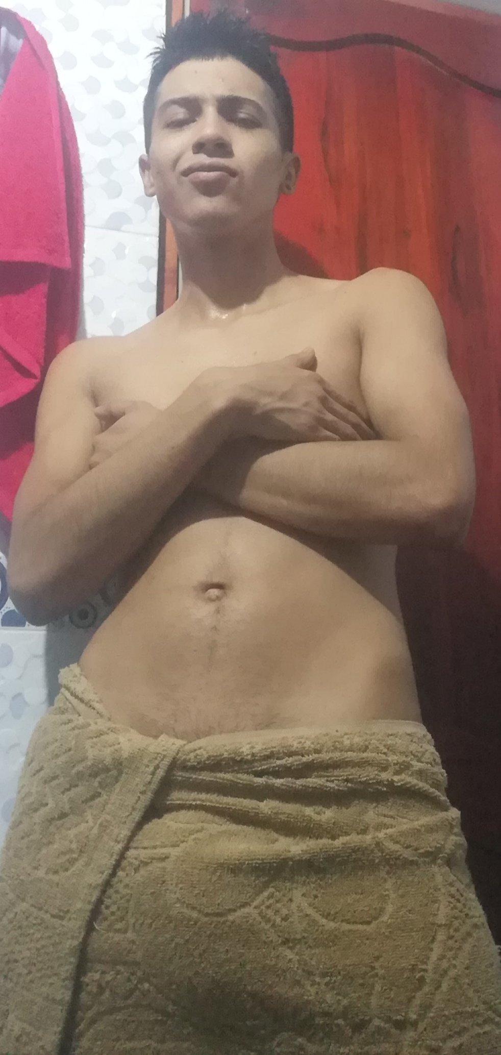 hombre en toalla