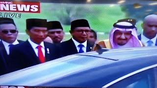Turun Dari Pesawat, Raja Salman Disambut Langsung Presiden Joko widodo - Commando