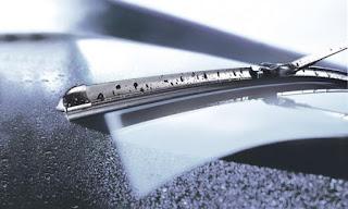 صيانة الدائرة الكهربائية للمساحات والأجزاء المتعلقة بها في السيارة