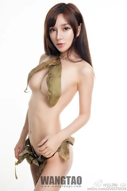 Hot and sexy photos of beautiful asian hottie chick Chinese babe model Han Zi Xuan photo highlights on Pinays Finest Sexy Nude Photo Collection site.