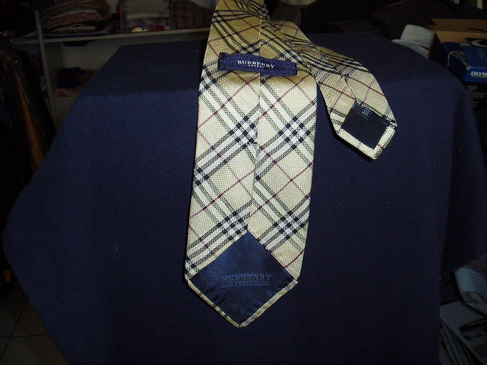 2ROCAmárkás használtruhák  Burberry nyakkendő (necktie) selyem 9cf21f3cdd