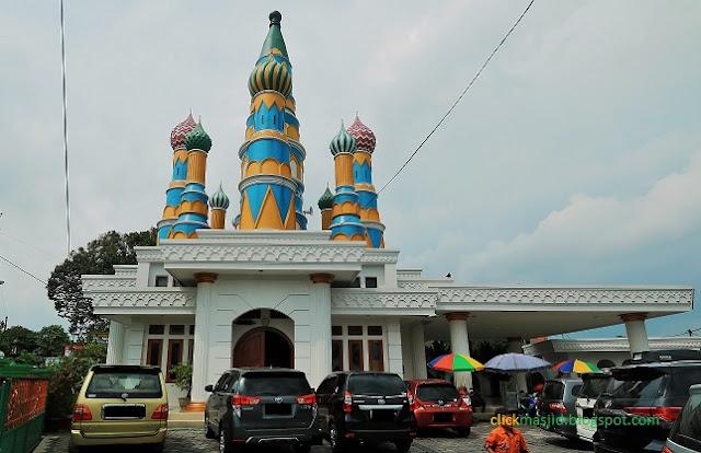 IMG 0981%2B%25282%2529 - 5 Masjid di Indonesia yang Memiliki Arsitektur Indah dan Unik