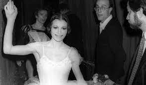 Italian ballet dancer Dame Carla Fracci dies at 84.