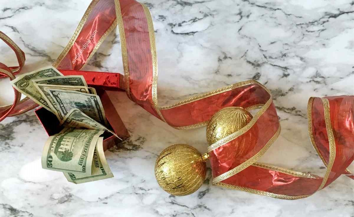 Tips for getting the most out of your Christmas bonus | arelaxedgal.com