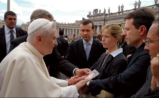 Chapter 27: Can any of this really be true? Pope2