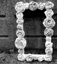 Kerajinan Tangan Dari Koran Bekas, Bunga Kertas