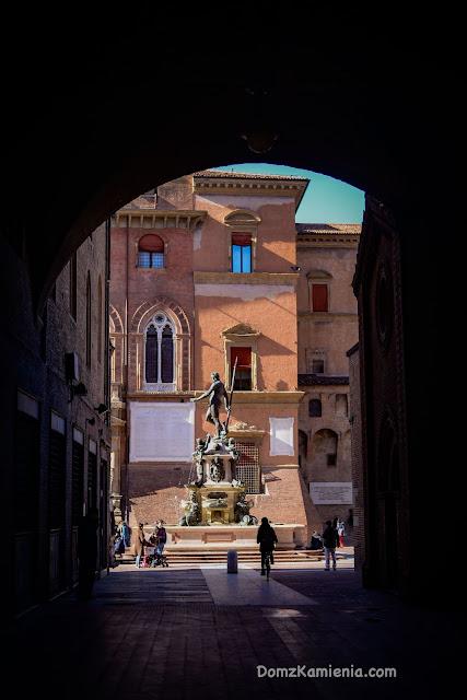 Bolonia Dom z Kamienia Piazza Maggiore