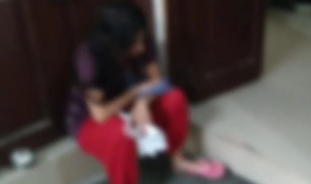 पत्नी ने पति को दिया धक्का, फर्श से सिर टकराने से मौत - newsonfloor.com