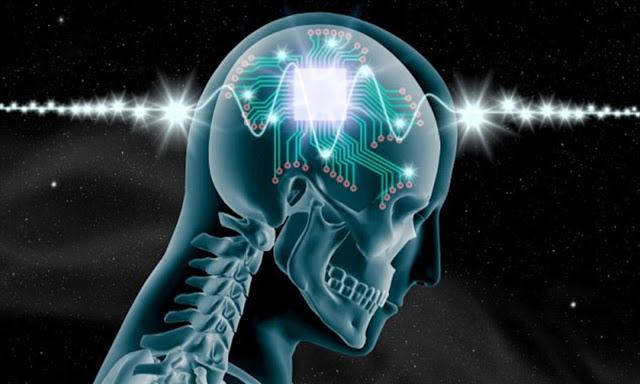 La IA y sus riesgos como implantes en el cerebro humano