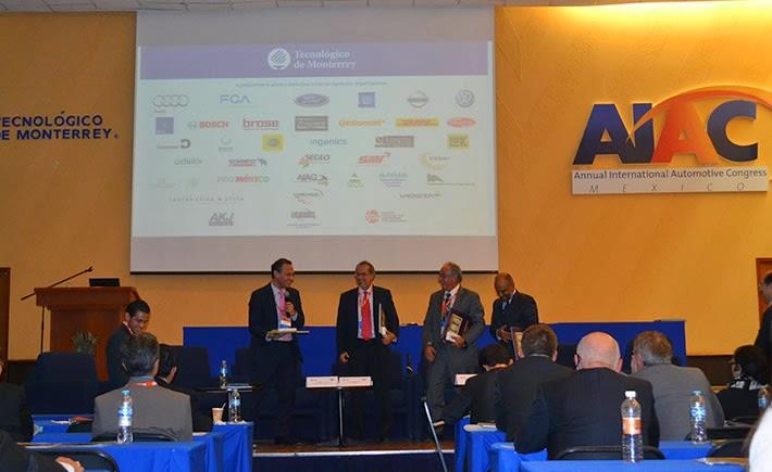 En el panel: Presente y Futuro de la Industria Automotriz participaron Fausto Cuevas de la AMIA, Ramón Álvarez de la INA y Guillermo Rosales de la AMDA. (Foto: VI)