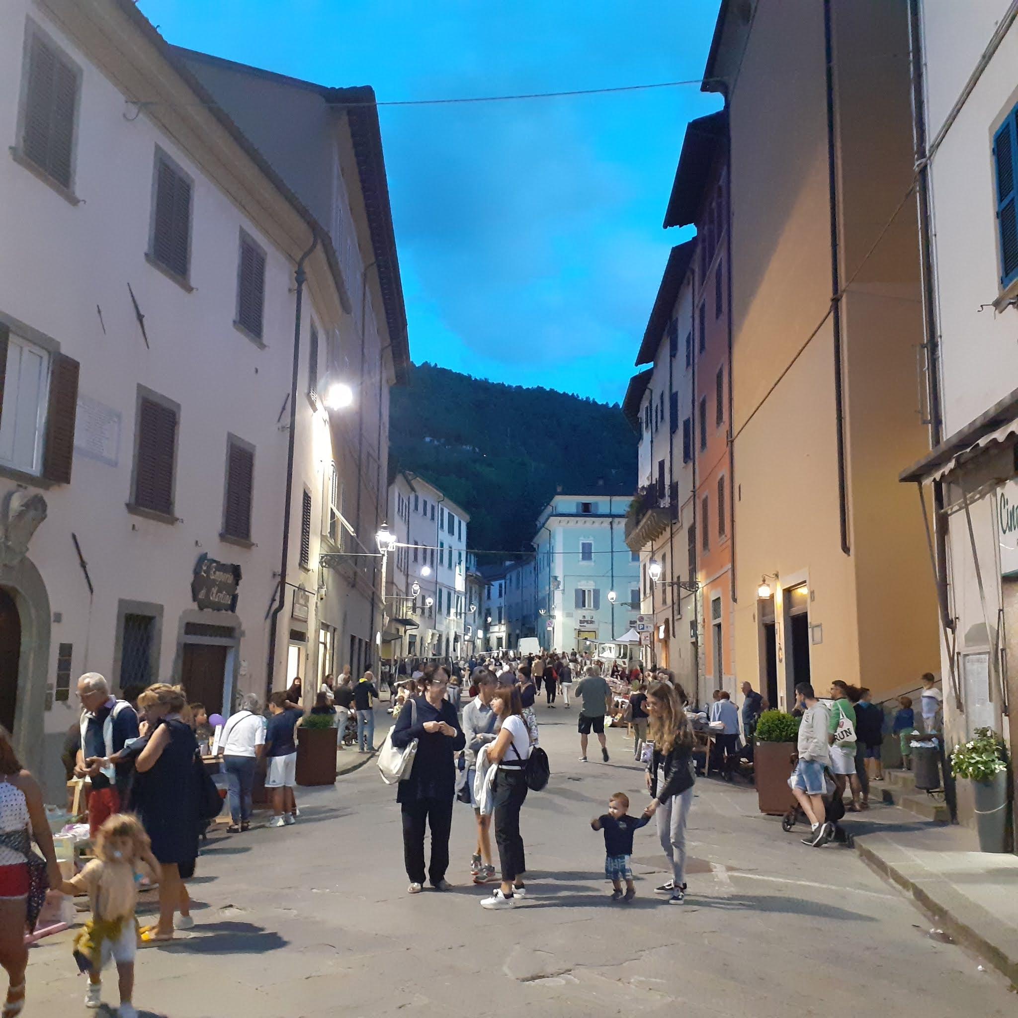 Marradi - mercatini, Dom z Kamienia blog o Włoszech