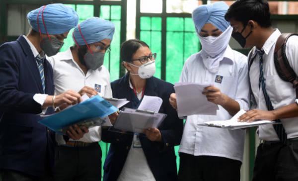 Class 10, 12 की परीक्षा रद्द करने के CBSE के फैसले का, अन्य राज्य बोर्डों पर प्रभाव पड़ेगा?