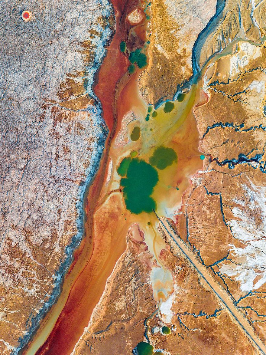5 Keindahan Laut Mati