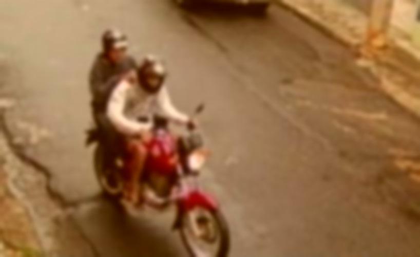Mais uma vez dupla em moto vermelha comete assalto em bairro de Juazeiro (BA) - Portal Spy Noticias