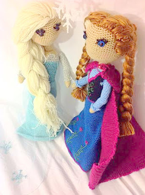 Crochet amigurumi Elsa and Anna doll from Frozen