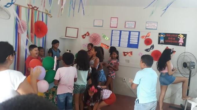 CRAS realiza momento criativo de referência ao Carnaval. Confira!
