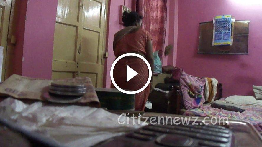 சிசி டிவி கேமரா இருப்பது தெரியாம வசமா சிக்கிய வேலைக்காரி – வீடியோ