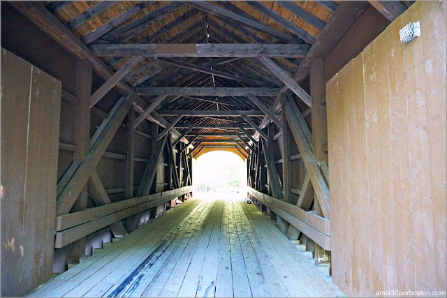 Interior Puente Cubierto Babb's Covered Bridge, Maine
