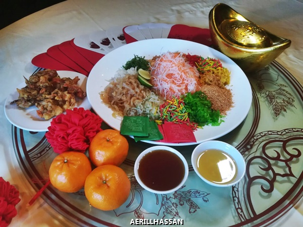 YEE SANG WITH CRISPY SOFT-SHELL CRAB AND CRYSTAL PEAR