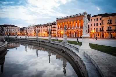 prato-della-valle-Padova-architettura