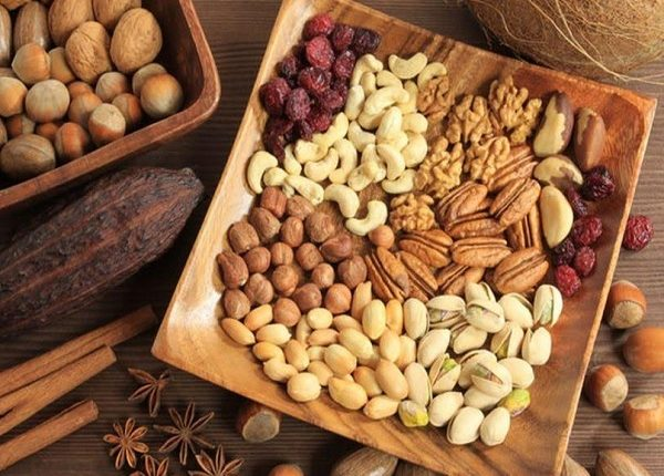 What are the benefits of almonds, walnuts and cashews ?
