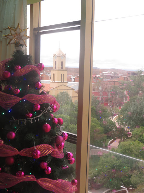Ein Blick aus dem Frühstückszimmer des Hotels in Villazón