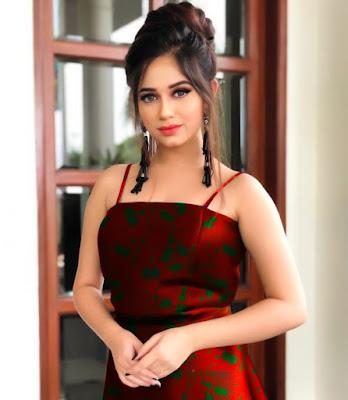 hot photo of jannat zubair