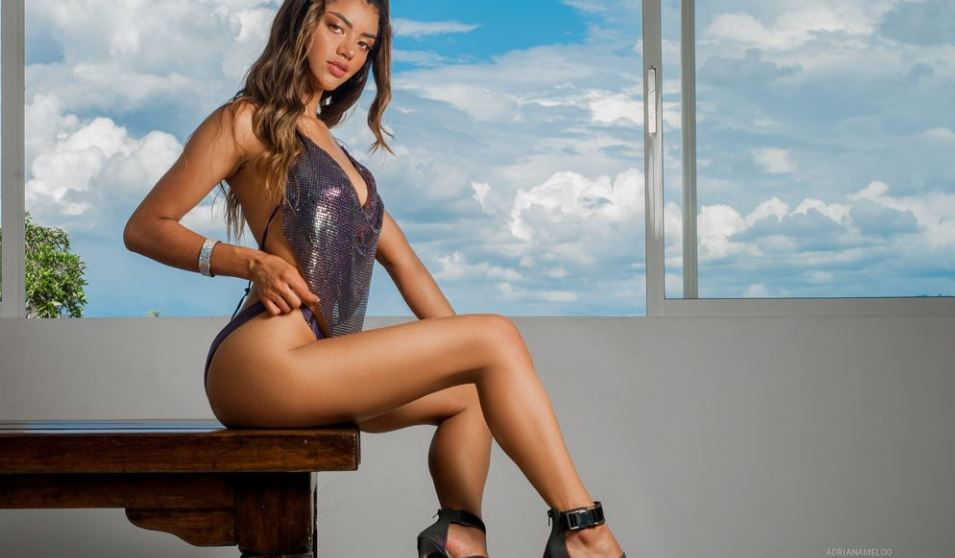 AdrianaMeloo Model GlamourCams
