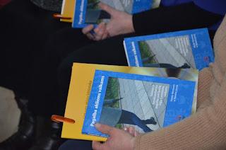 Knygos viršelis pristatymo metu