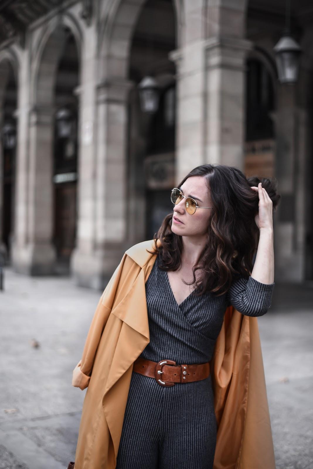 autumn_jumpsuit_street_style_yellow_sunglasses