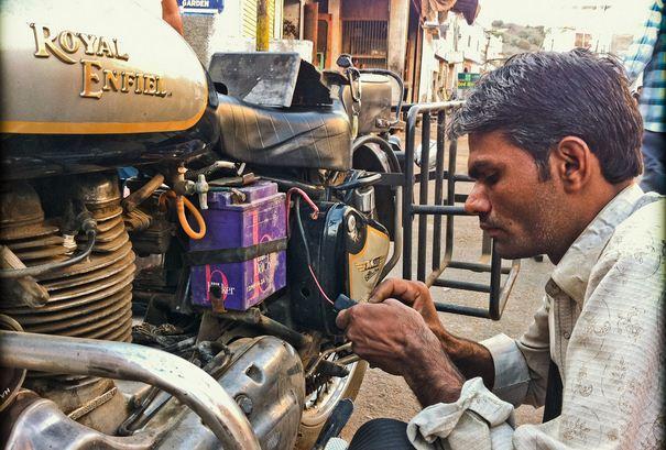 cara memperbaiki motor starter motor